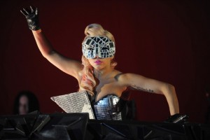 Lady-Gaga-live-at-V-Festival-3[1]